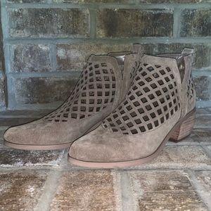 Crown Vintage Brown Booties